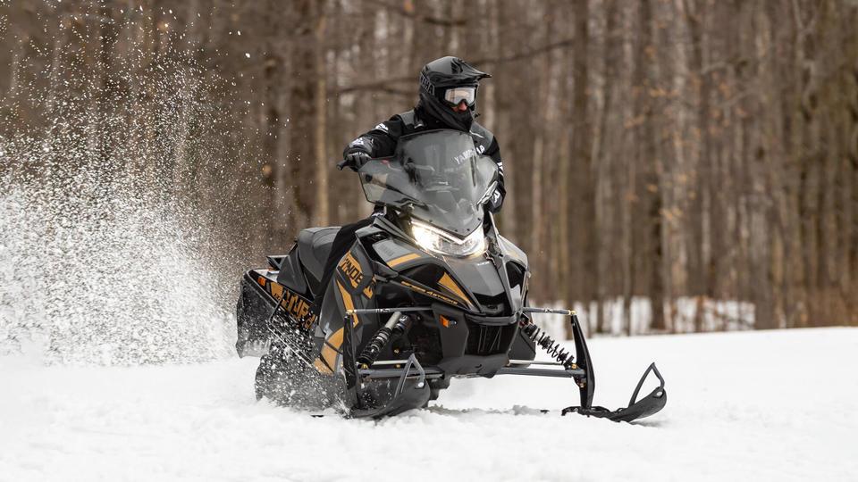 snijeg motobox yamaha.jpg